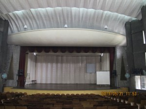 Auditorium-Speakers-Sound-Systems-SoundTube-RS800i-RS600i-Mater-Dei-Auditorium